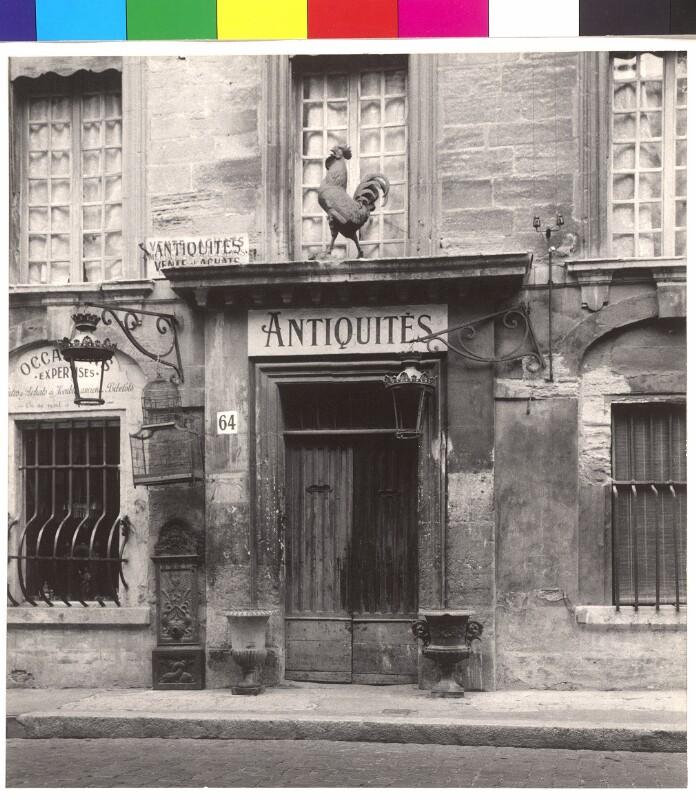 """""""Antiquités"""""""