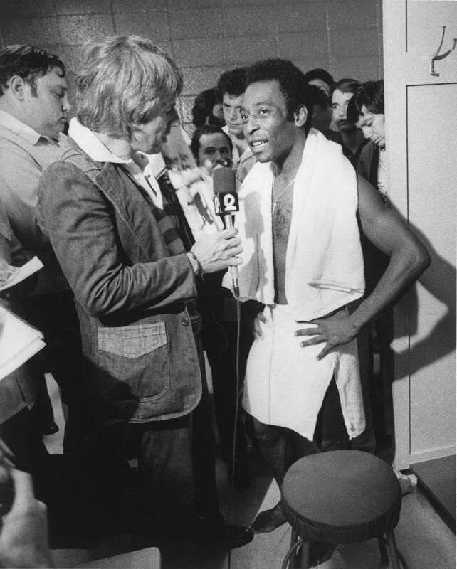 Pelé nach Spiel bei Interview