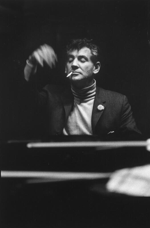 Bernstein musizierend 1957