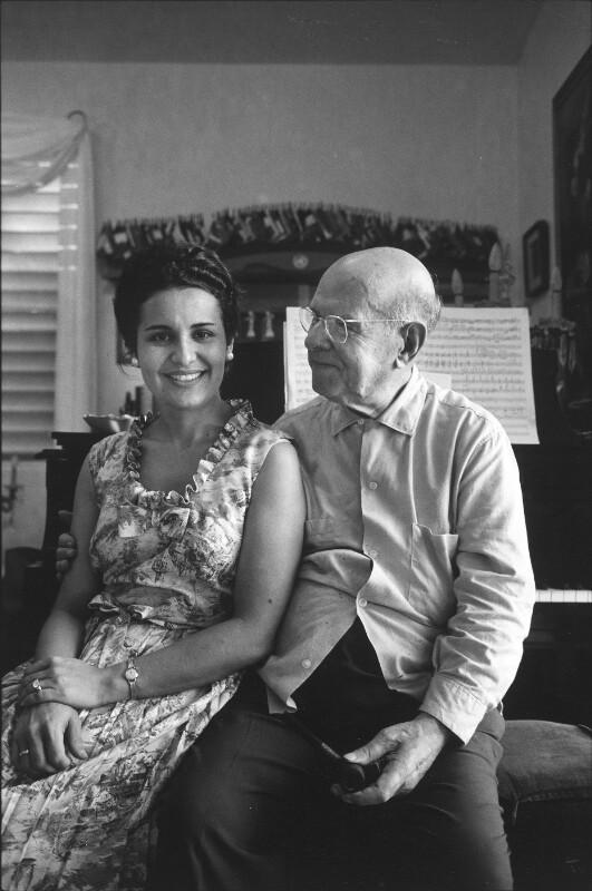 Pablo und Martita Casals auf Klavierbank