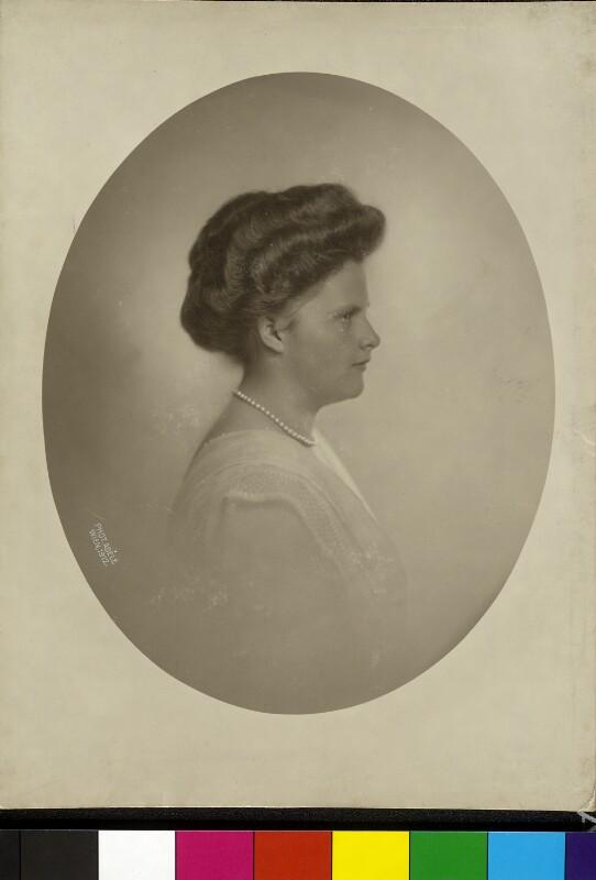 Maria de los Dolores Beatrix, Erzherzogin von Österreich-Toskana