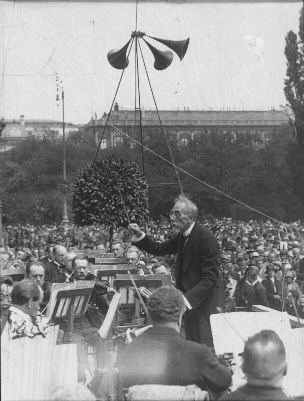 Eröffnung der Wiener Festwochen am Rathausplatz