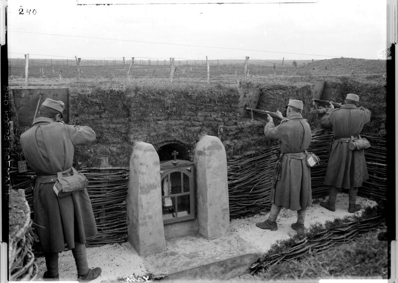Schützengraben mit Madonnenbild beim Feldjäger-Bataillon Nr. 32;