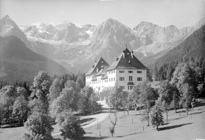Schloss Blühnbach