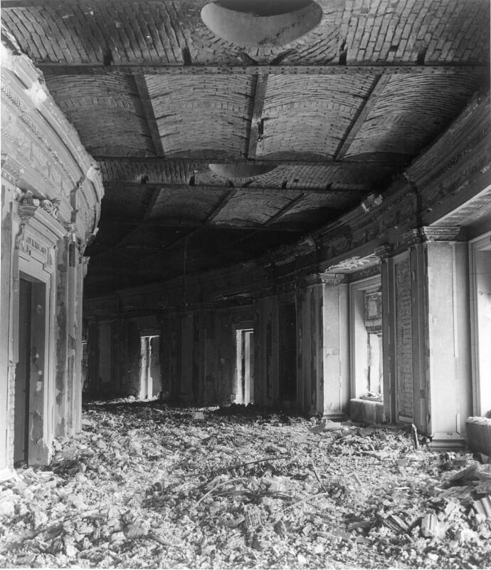 Zerstörungen im Burgtheater