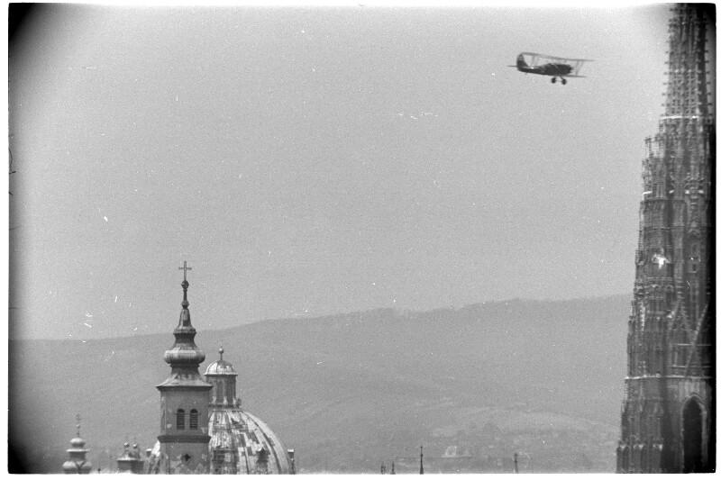 Russisches Flugzeug über Wien