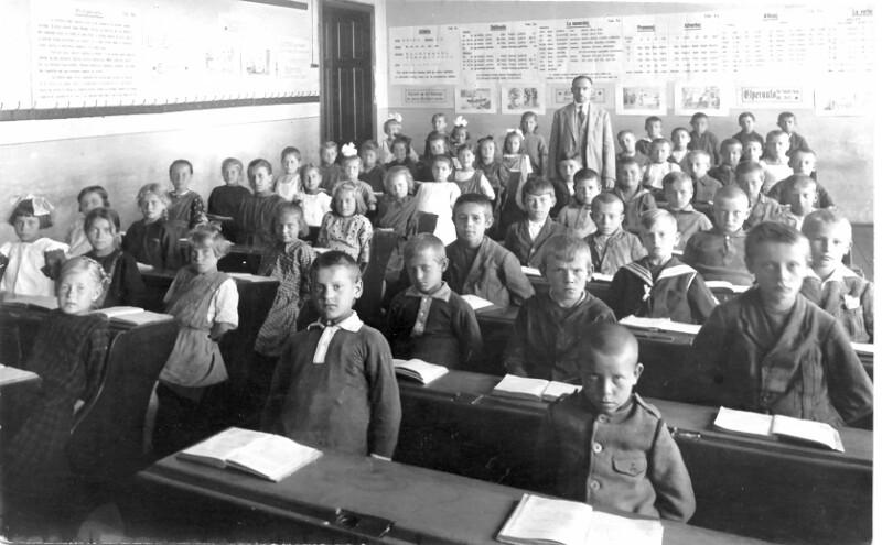 Esperanto-Unterricht in einer Klasse der Volksschule Meierhöfen bei Karlsbad, 1924