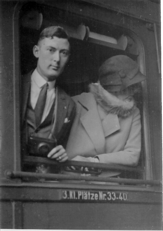 Joseph R. Scherer im Zug nach Münster, 1931