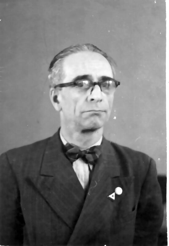 John Leslie, 1956