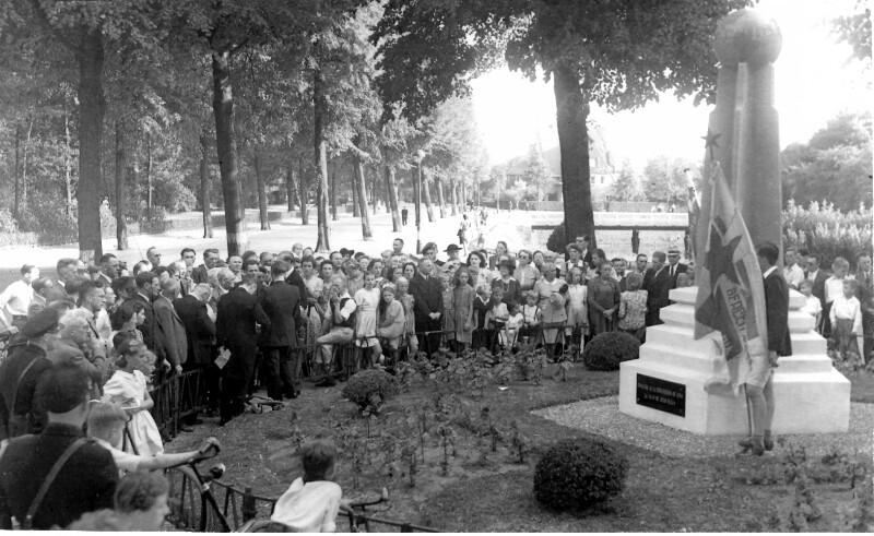 Einweihung des Esperanto-Denkmals, Bergen-op-Zoom 1947