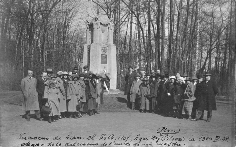 Zusammenkunft vor dem Esperanto-Denkmal in Franzensbad 1924