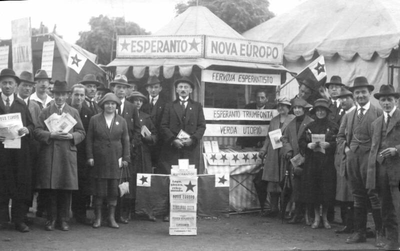 Esperanto-Stand auf der Prager Messe 1922