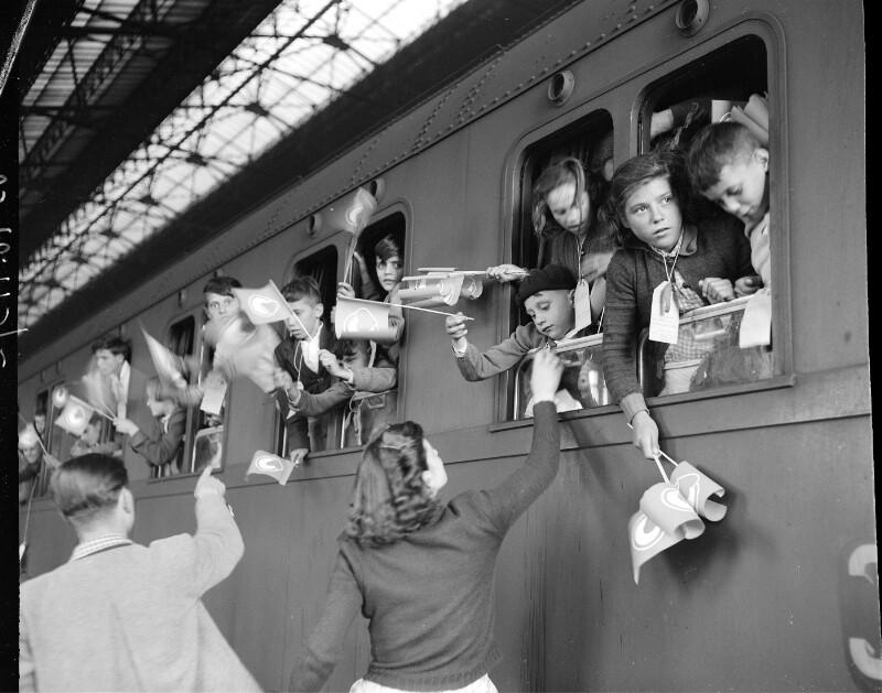 457 Kinder aus Norditalien kommen zur Erholung nach Wien.