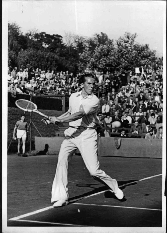 Der deutsche Tennisspieler Georg von Metaxa