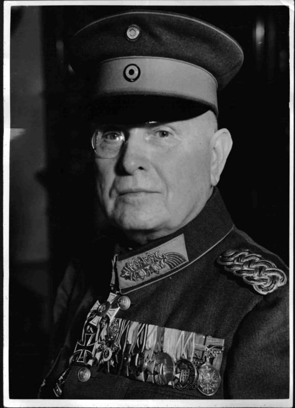 General Schlee Pascha