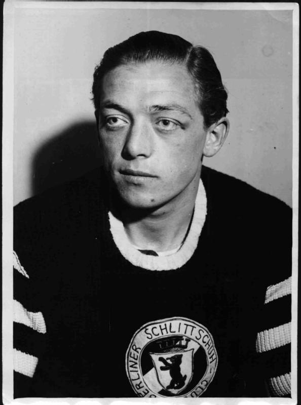Der deutsche Eishockeyspieler Gustav Jaenecke