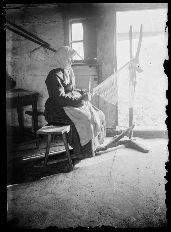 Frau beim Netzen