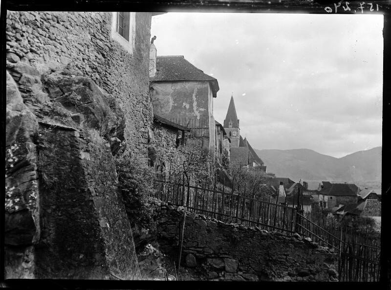 Stadtmauer und Gebäude in Weissenkirchen