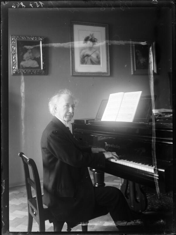 Bildnis Emil Sauer am Klavierflügel