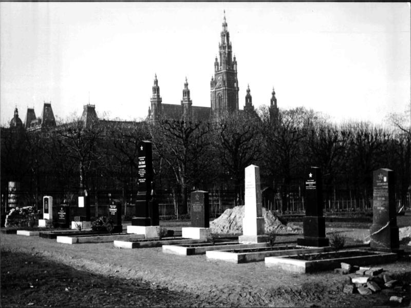 Soldatengräber im Volksgarten