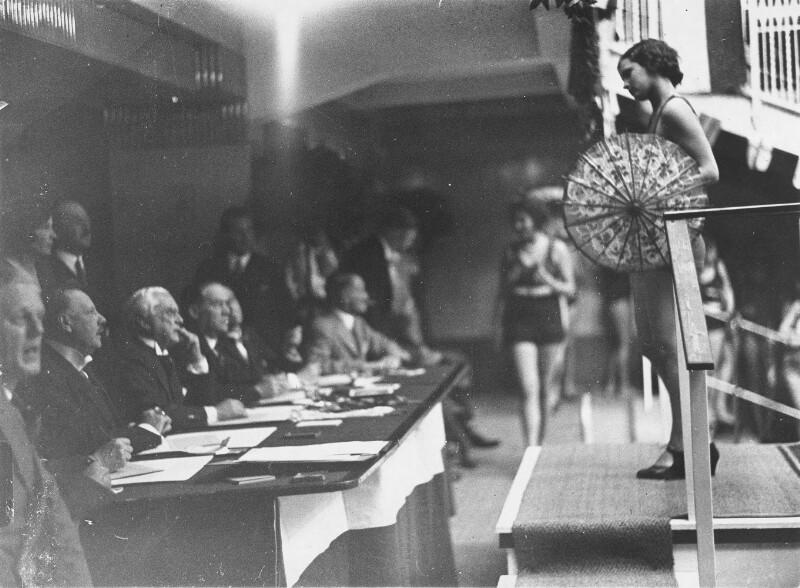 """Wahl zur """"Miss Dianabad 1930"""""""