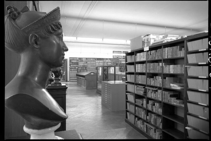 Saal des Bildarchivs der ÖNB