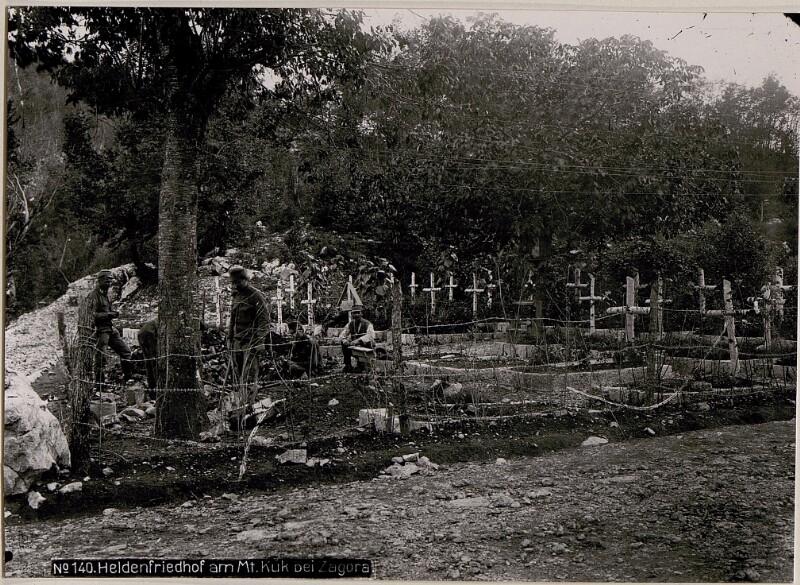 Heldenfriedhof am Mt.Kuk bei Zagora