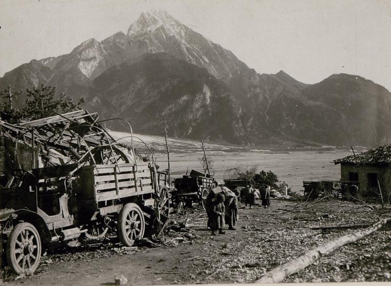 Am Tagliamento-Brückenkopf (Tolmezzo)