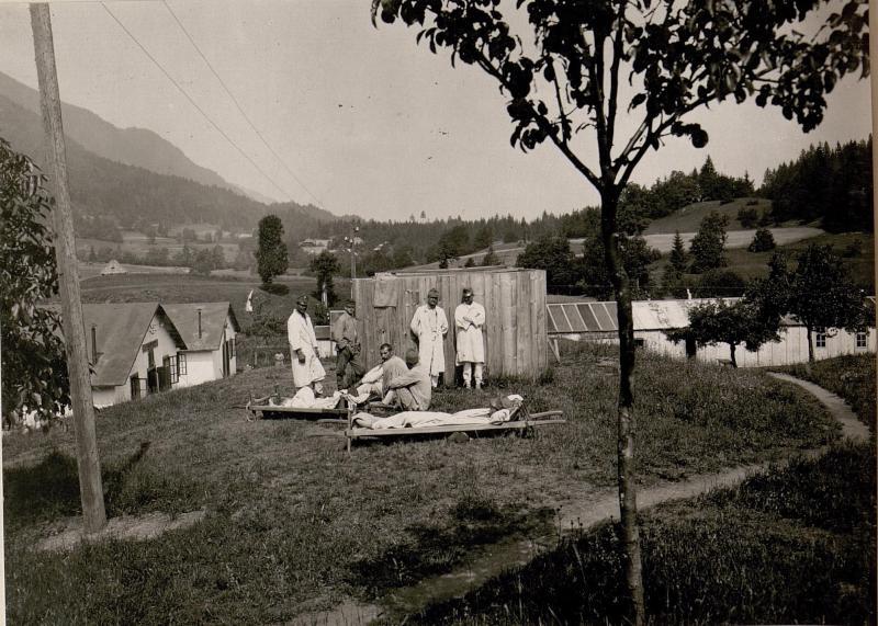 Feldspital in Thörl-Maglern.Sonnenbad.