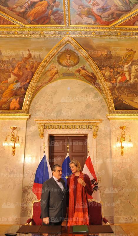 AM Plassnik und Tschechiens AM Schwarzenberg unterzeichnen neues Kulturabkommen
