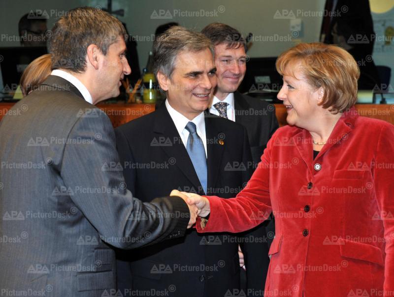 Brüssel - EU Gipfel - Michael Spindelegger, Werner Faymann and Angela Merkel