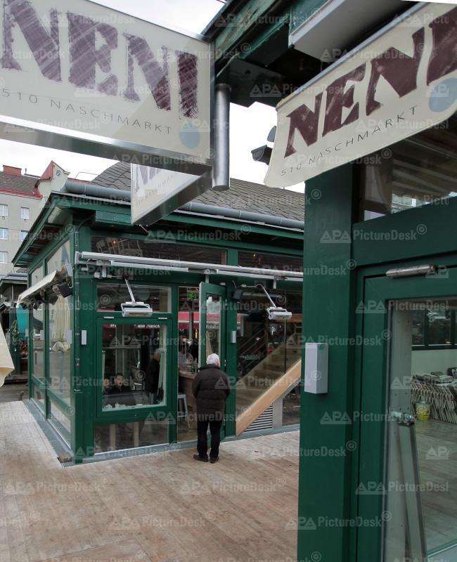 "Das Lokal ""Neni"" am Naschmarkt"
