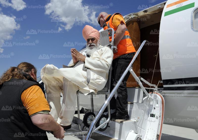 Abreise von Sikh Prediger aus Wien