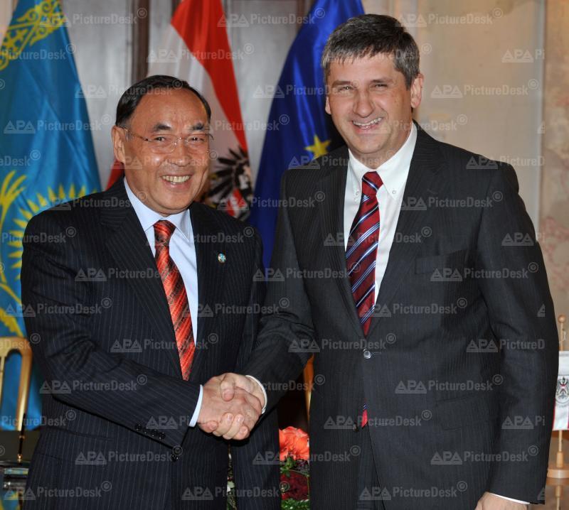 AM Spindelegger trifft kasachischen AM Saudabajew