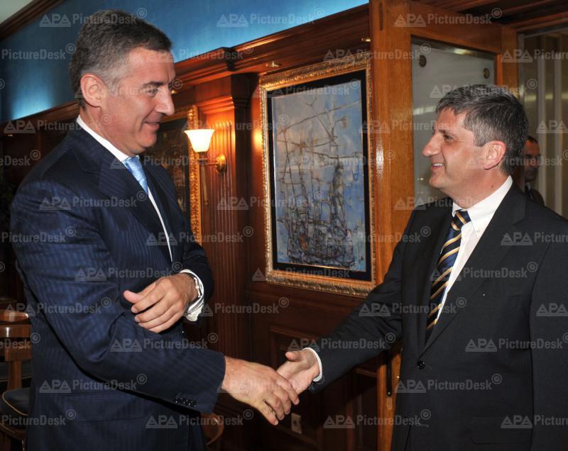 AM Spindelegger trifft in Montenegro PM Dukanovic