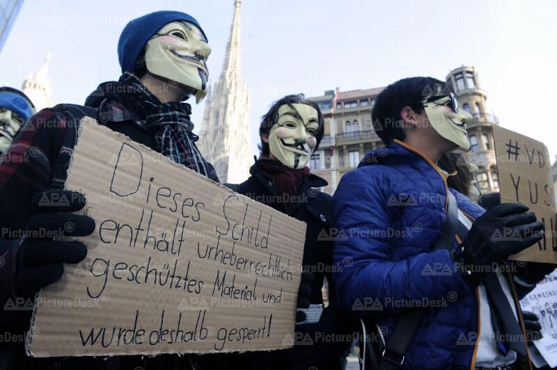 ANONYMOUS-DEMONSTRATION GEGEN VORRATSDATENSPEICHERUNG