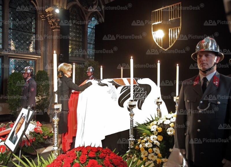 Aufbahrung von Helmut Zilk im Wiener Rathaus