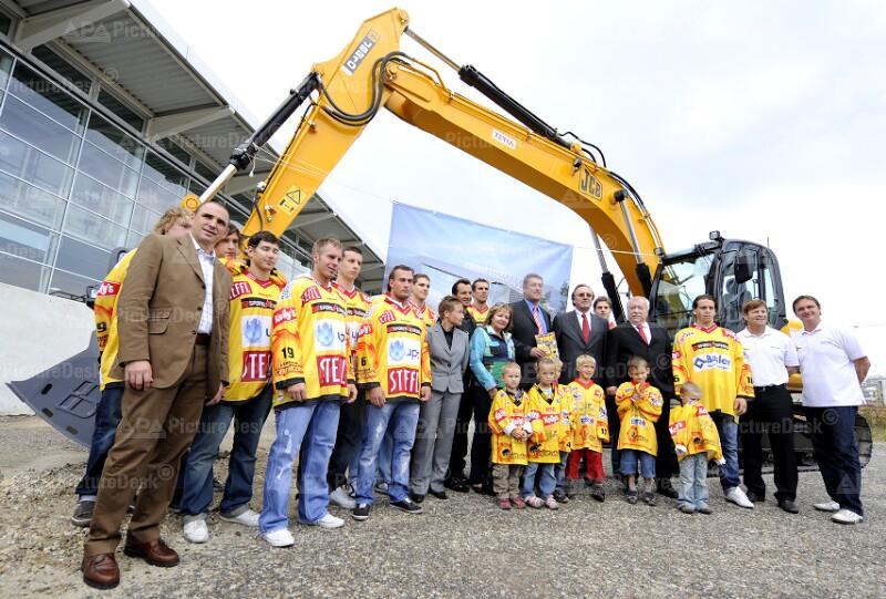 Eishockey: Spatenstich für Ausbau der Albert-Schultz-Halle