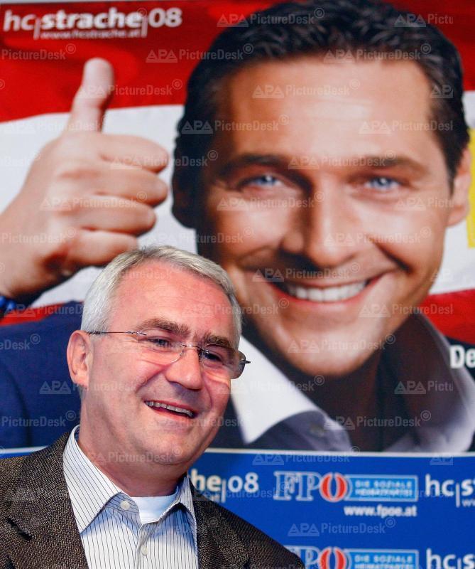 FPÖ Pressekonferenz mit Martin Graf
