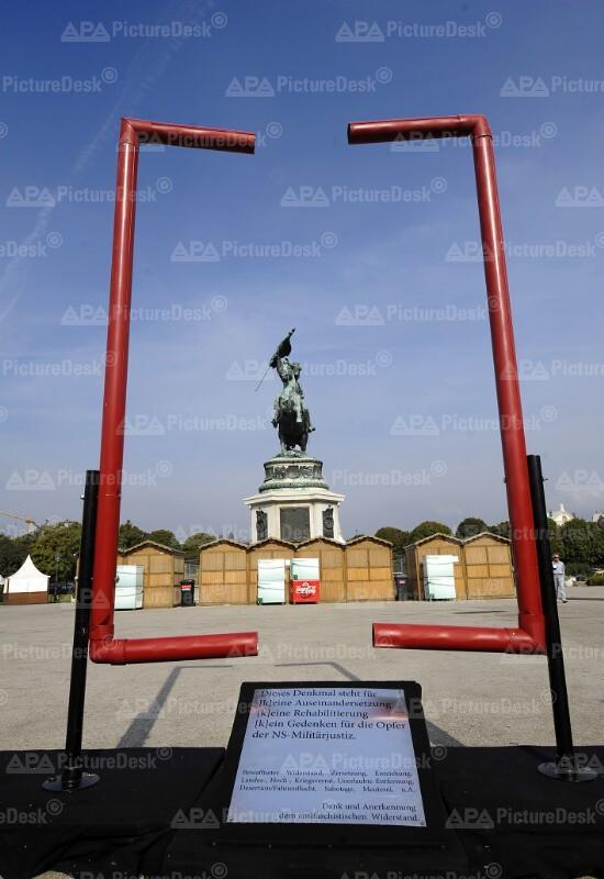 Aktion für ein Denkmal für Wehrmachtsdestateure am Heldenplatz in Wien