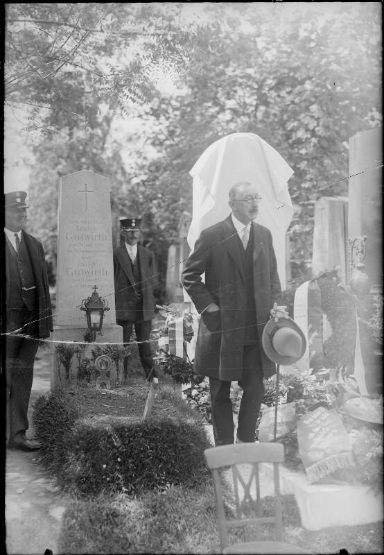 Robert Fuchs Grabdenkmalenthüllung am Wiener Zentralfriedhof