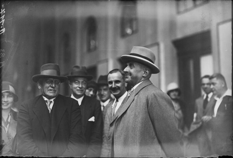 Abfahrt von Bundeskanzler Streeruwitz nach Genf