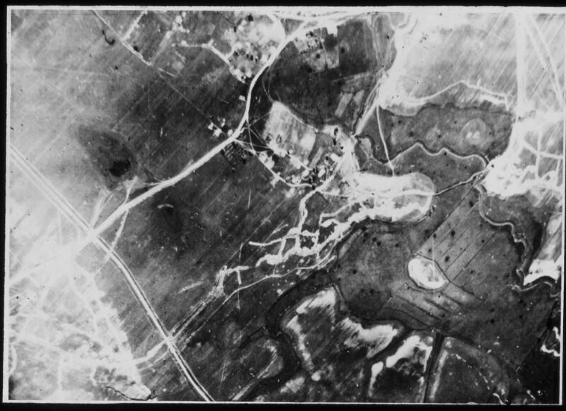 Luftaufnahmen der Front bei Mignov