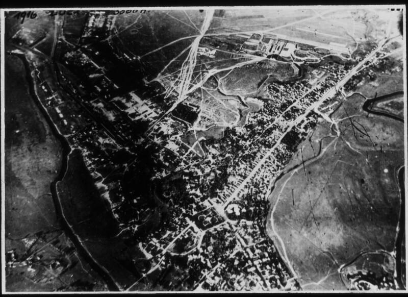 Luftaufnahme möglicherweise einer Stadt in den Pripjetsümpfen