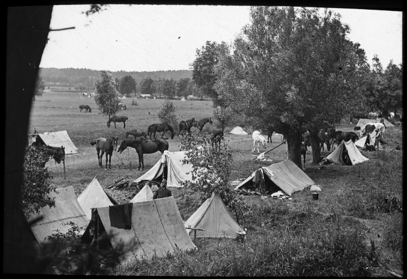 Lager der 10. Fliegerkompanie in Galizien, (heute Ukraine) möglicherweise nahe Lubieszow