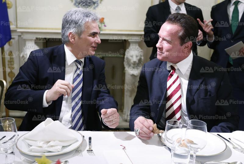 Bundeskanzler Faymann empfängt Arnold Schwarzenegger