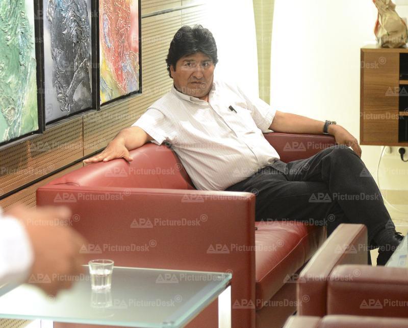 Boliviens Staatschef Evo Morales wegen Snowden-Verdachts in Wien zur Landung genötigt