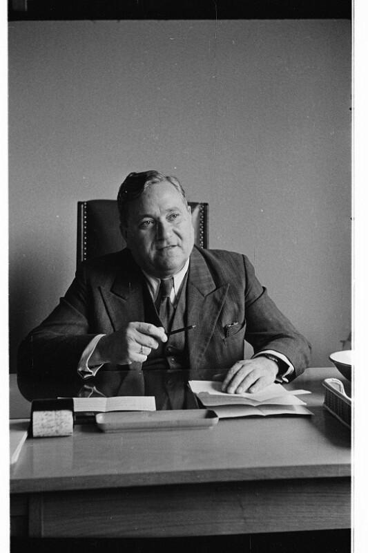 Carlo Schmid, Professor, Anwalt, Mitglied des West-Deutschen Parlaments, Mitglied des Präsidiums der Deutschen Sozialdemokratischen Partei. Bonn, 1951