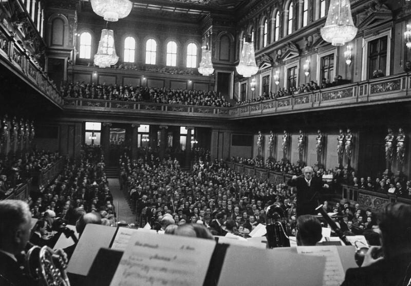 Clemens Krauss dirigiert die Wiener Philharmoniker in Wien
