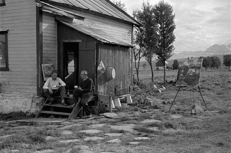 Der Maler Hans Haakoe lebt und arbeitet auf einer entlegenen Insel nahe Tromsoe.